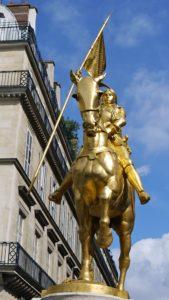 P1080407 France, Paris, la statue de Jeanne d'Arc à la Place des Pyramides